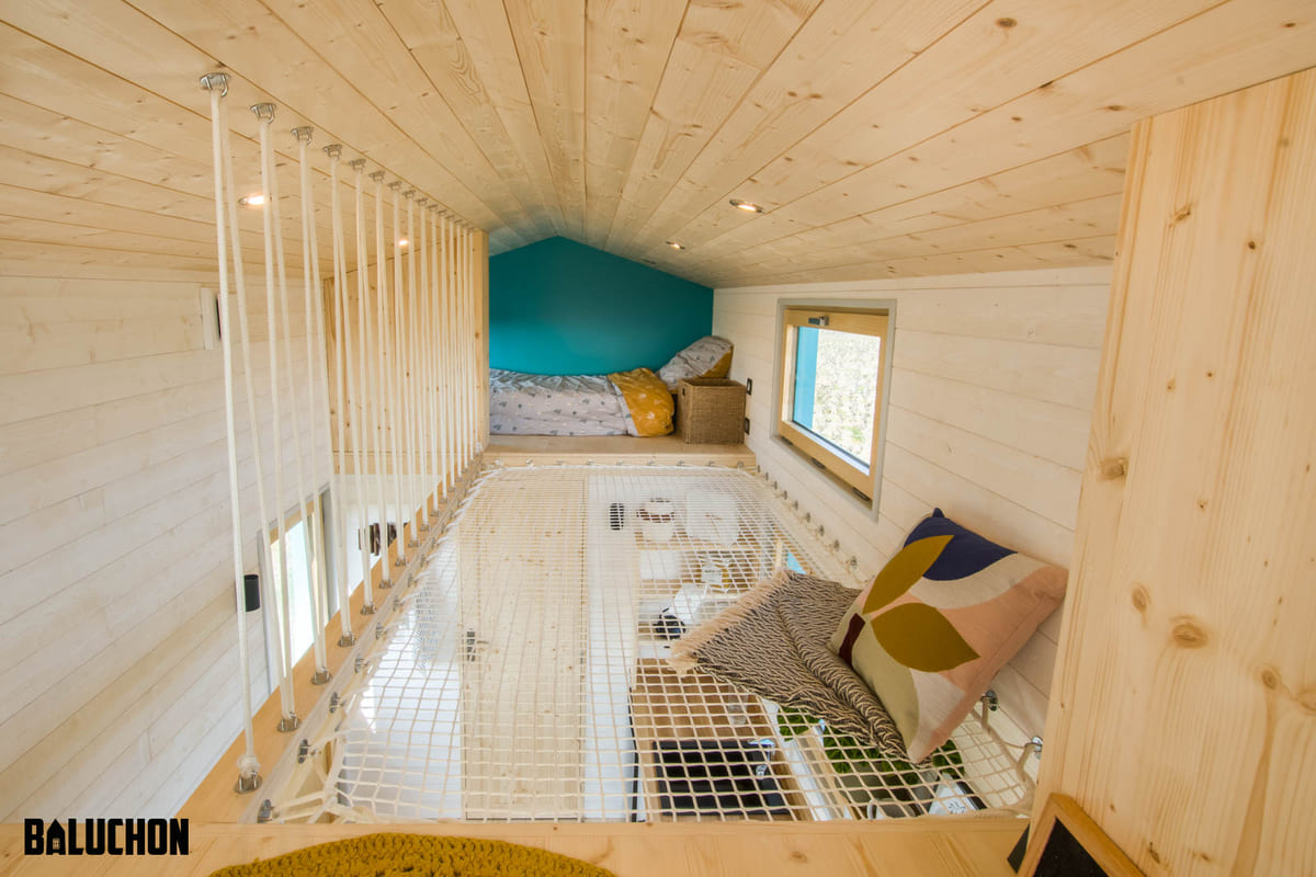 tiny house baluchon 11 - Mother and daughter live full time in stunning tiny house with cool hammock floor