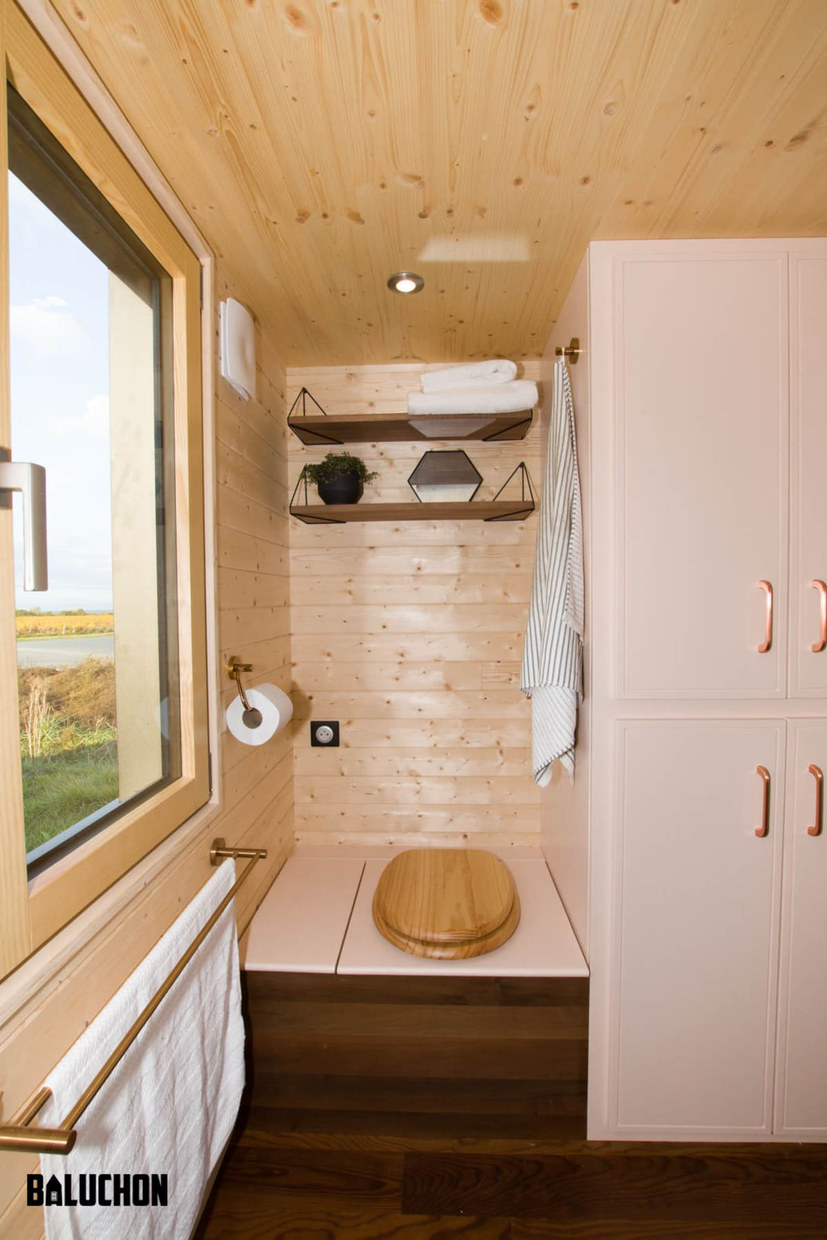 tiny house baluchon 12 1 - A tiny home on wheels: travel meets small living
