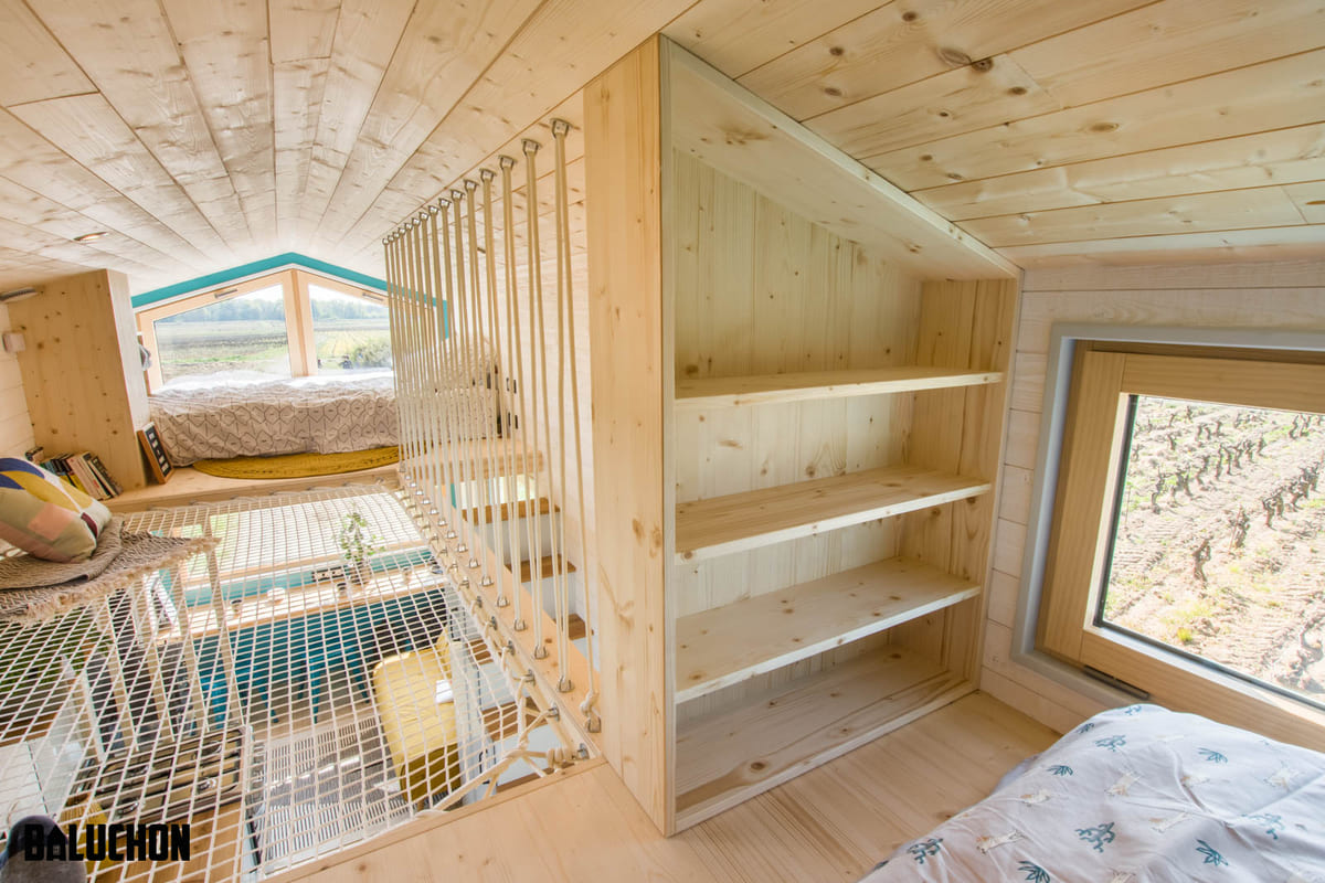 tiny house baluchon 19 - Mother and daughter live full time in stunning tiny house with cool hammock floor