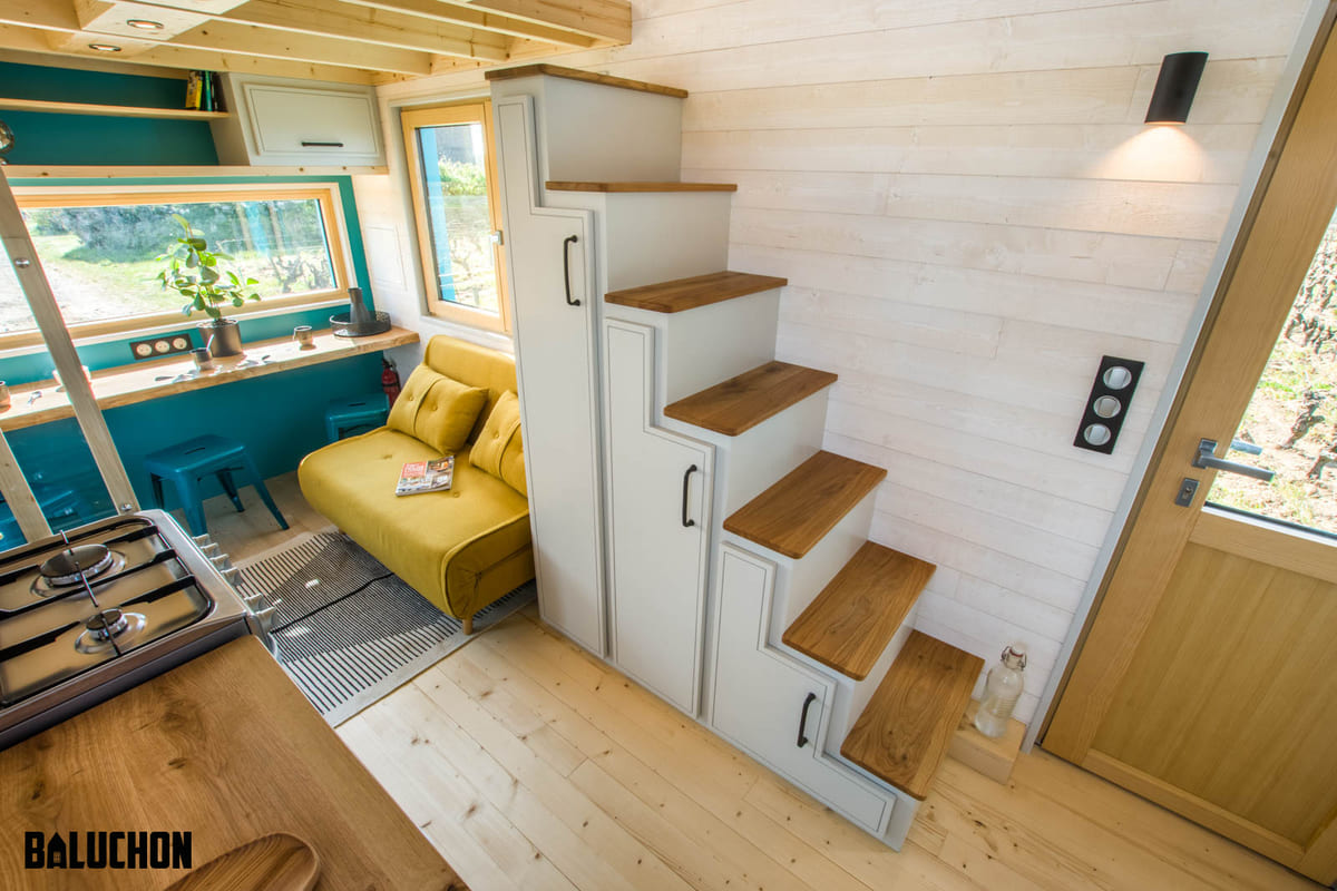 tiny house baluchon 3 - Mother and daughter live full time in stunning tiny house with cool hammock floor
