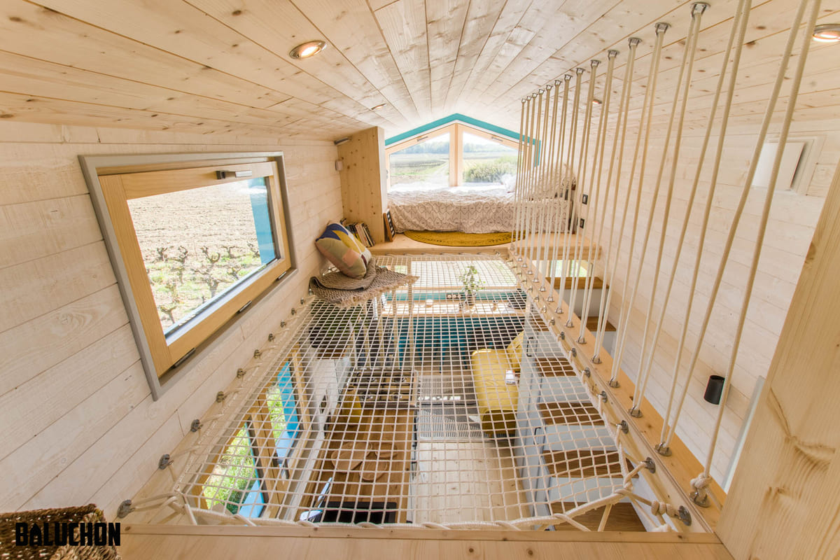 tiny house baluchon 6 - Mother and daughter live full time in stunning tiny house with cool hammock floor
