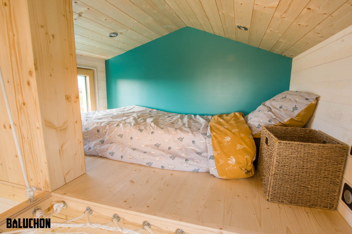 tiny house baluchon 7 - Mother and daughter live full time in stunning tiny house with cool hammock floor