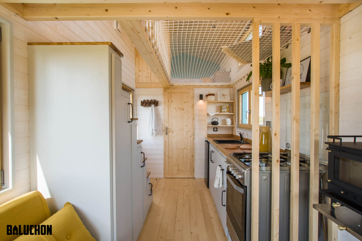 tiny house baluchon 8 - Mother and daughter live full time in stunning tiny house with cool hammock floor