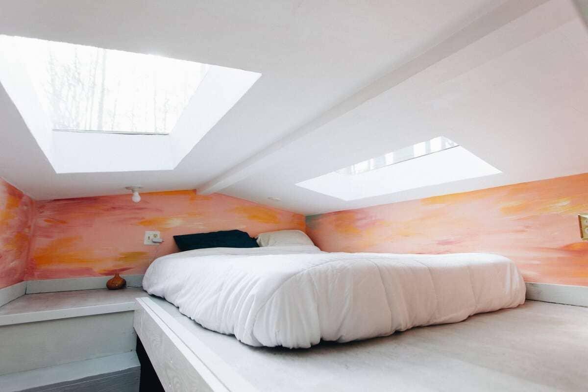tiny house hola 12 - Tropical tiny house offers visitors a creative getaway