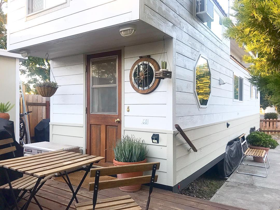 tiny house her tiny home 21 - Single mom built spectacular tiny home for herself and her daughter